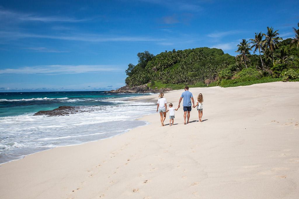 Seychelles Photographers, Dina